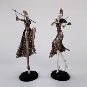 violinist sculpture