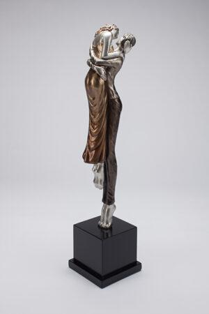 Artmax The Kiss Sculpture